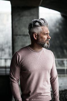 Calle Artmark - New Site Pompadour Fade Haircut, Mens Hairstyles Pompadour, Classic Mens Hairstyles, Older Mens Hairstyles, Pompadour Men, Haircuts For Men, Grey Hair Beard, Grey Hair Men, Beard Fade