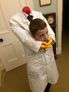Gruesome severed head Halloween costume for boys
