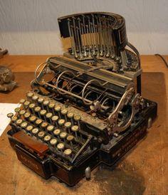 Bonitas Maquinas de Escribir Antiguas, completa Coleccion de Arte Mecanico…