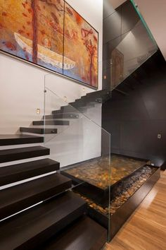 Stairs in Dominant modern mansion by GLR Arquitectos Escalier Design, Indoor Fountain, Indoor Pond, Modern Stairs, Contemporary Stairs, Modern Mansion, Staircase Design, Stair Design, Staircase Ideas