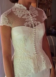 Wanda Borges #detail Mom Dress, Lace Dress, Bridal Dresses, Prom Dresses, Formal Dresses, Dress Alterations, Fairy Dress, Fashion Sewing, Colourful Outfits