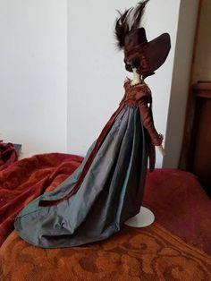 Superb Grodnertal circa 1815 in original clothing