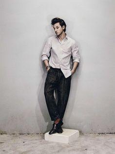 Pants Falke with linen stripes, Gaspard Ulliel by Casper Sejersenin - Inspiration for our SS2017 Menswear trendbook