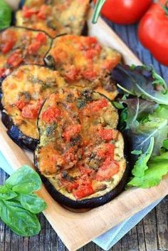 Eggplant Pizzette recipe with mushroom mushroom, mozzarella Fast food recipe Vegetable recipe with e Raw Vegan Recipes, Vegan Foods, Mushroom Recipes, Vegetable Recipes, Vegetarian Recipes, Healthy Recipes, Healthy Cooking, Healthy Eating, Cooking Recipes