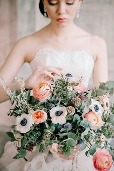 A classic, European bridal inspiration shoot with feminine wedding dresses and anemone, peony, ranunculus and thistle bridal bouquets. Bouquet D'eucalyptus, Thistle Bouquet, Ranunculus Bouquet, Eucalyptus Bouquet, Bride Bouquets, Floral Bouquets, Cheap Wedding Flowers, Bridal Flowers, Floral Wedding