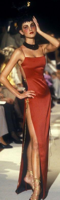 Christian Dior by John Galliano Fashion show & more details