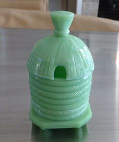 Martha Stewart By Mail LE Smith Jadeite Green Glass Beehive Form Honey Pot Jar #LESmith