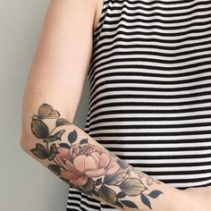 Botanical, no outline it clear lines throughout, the faded pink is nice on her skin but maybe needs to be warmer in mine