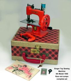 Singer 20 Toy Child Sewing Machine 4th Model 1950 RARE Red w Clamp Plaid Case | eBay