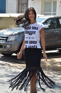 Meu Look: Camiseta   Saia de franjas