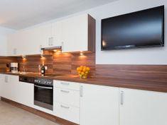 Ferienwohnung Sonn-Alm Maxi Kitchen Island, Kitchen Cabinets, Küchen Design, Modern, Flat Screen, Home Decor, Office Decor, Carpentry, Living Area