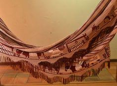 Chinchorro wayúu tejido por artesanos en la Guajira. Cómpralo en #MambeShop con el 35% de descuento! (Cra. 5 No. 117-25- Usaquén) Outdoor Furniture, Outdoor Decor, Hammock, Home Decor, Pearl Necklaces, Hammocks, Culture, Tejidos, Decoration Home