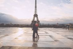 Paris engagement shoot at sunrise | Rhianne Jones Photography