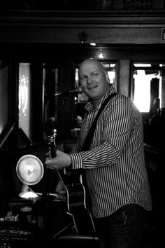 He is back!!!! Our very own George, Live this Saturday and Sunday in Jintys   I love this picture of George