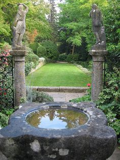 PEACEFUL GARDEN, Iford Manor gardens, Wiltshire
