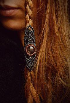 Black star sapphire macrame inches tribal by DaturaNatura Macrame Necklace, Macrame Jewelry, Macrame Bracelets, Loom Bracelets, Chevron Friendship Bracelets, Friendship Bracelets Tutorial, Bracelet Tutorial, Dreads, Dreadlock Beads