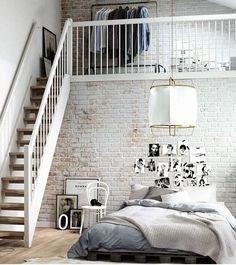 Vestidor en dormitorio a doble altura