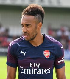 Pierre-Emerick Aubameyang Aubameyang Arsenal, Arsenal Players, Arsenal Football, Neymar, Playboy, Pierre Emerick, Sports, Mens Tops, Soccer