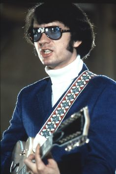 mike in sunglasses is pretty hot if you ask me The Monkees, Monkees Songs, Becca Music, Chuck Norris Facts, Michael Nesmith, Peter Tork, 60s Music, Young Celebrities, Cowboys And Indians