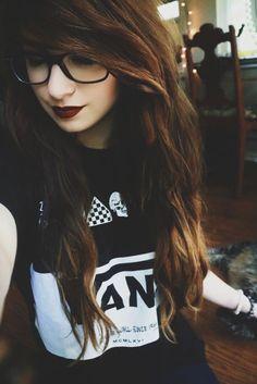 emo with glasses<that hair tho Scene Girls, Red Scene Hair, Long Scene Hair, Long Emo Hair, Scene Hair Bangs, Pelo Emo, Hip Hop, Sisterlocks, Cool Haircuts
