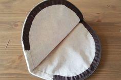 Cute half-round zipper pouch bag. DIY tutorial in pictures.   Полукруглая  к осметичка. МК.