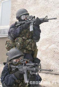 //- Strona poświęcona Wojskowej Formacji Specjalnej GROM -//