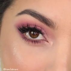 Pink and shimmer, pink and shimmer all the way😍 Perfect Winged Eyeliner, Winged Eyeliner Tutorial, Hooded Eye Makeup, Hooded Eyes, Beauty Makeup, Face Makeup, Beautiful Eye Makeup, Beautiful Eyelashes, Eyeliner For Beginners