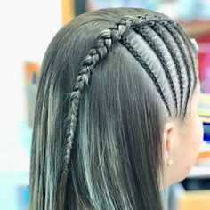 La imagen puede contener: una o varias personas y primer plano Grad Hairstyles, Braided Ponytail Hairstyles, Little Girl Hairstyles, Natural Hair Styles, Short Hair Styles, Cabello Hair, Girls Braids, Hair Art, Ombre Hair