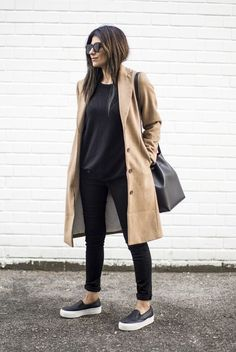 Camel Coat Slip Ons Mansur Gavriel Bag. Minimal chic street fashion | Business casual outfits | Perfect simple style for work & play | Classy minimalist style | Scandinavian style | Monochromatic style | Casual chic | Effortless Cool | Chic Looks | Street Style