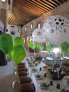 Today you will learn to organize and decorate the best children's party with a soccer theme, because we attach an idea for every detail. Football Party Decorations, Football Themes, Balloon Decorations, Soccer Theme, Soccer Party, Best Photo Frames, Decorated Gift Bags, Party Table Centerpieces, Candy Bar Party