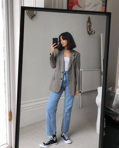 Outfits With Converse, Blazer Outfits, Date Outfits, Converse Fashion, White Converse, Mode Streetwear, Streetwear Fashion, Winter Fashion Outfits, Spring Outfits