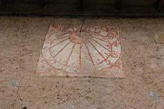 Rellotge de Sol d'un mas de la Cellera de Ter. Girona.