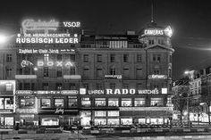 Das Haus Bahnhofplatz 5 mit vielen Lichtreklamen, aufgenommen um 1970. Louvre, Building, Travel, Store Windows, Switzerland, House, Viajes, Buildings, Trips
