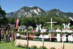 Die Festmesse auf der Festwiese bildete am Sonntag den Höhepunkt der dreitägigen Festlichkeiten zum 175-Jahr-Jubiläum der Marktmusikkapelle und dem 50-jährigen Jahrestag der Markterhebung in Grödig (Flachgau).