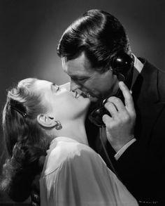 Cary Grant e Ingrid Bergman nel film Notorious