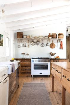 There is no question that designing a new kitchen layout for a large kitchen is much easier than for a small kitchen. A large kitchen provides a designer with adequate space to incorporate many convenient kitchen accessories such as wall ovens, raised. Apartment Kitchen, Home Decor Kitchen, Rustic Kitchen, Kitchen Furniture, New Kitchen, Home Kitchens, Kitchen Ideas, Natural Kitchen, Kitchen Designs