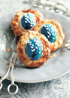 Праздничный стол на Пасху: яйца в гнездах и куличи… в яйцах!