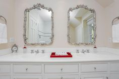 """Traditional Full Bathroom with High ceiling, Undermount Sink, 73"""" Double Bowl…"""