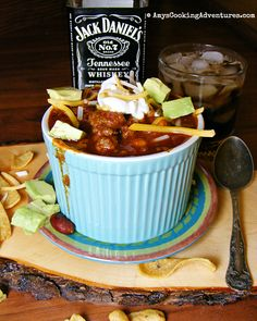 Jack & Coke Chili.  My hubby would absolutely love this chili!    #recipe #dinnertime Chili Recipes, Crockpot Recipes, Steak Chili Recipe, Soup Recipes, Dinner Recipes, Snowman Cookies, Chili Cook Off, Chili Soup, Chili Chili