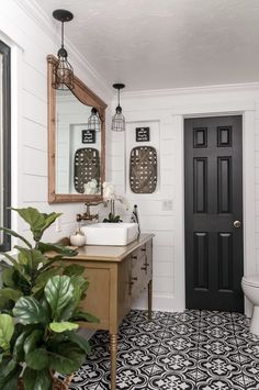 Dream bathrooms 404901822748329972 - Farmhouse Bathroom Makeover inspirations Source by ninaonecstasy Farmhouse Bathroom Accessories, Bathroom Interior, Parisian Bathroom, Toilet Accessories, Farmhouse Bathroom Sink, Bathroom Accesories, Primitive Bathrooms, Bathroom Renovations, Home Remodeling