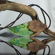 Ein persönlicher Favorit aus meinem Etsy-Shop https://www.etsy.com/de/listing/551643815/wood-resin-jewelery-necklacelarge