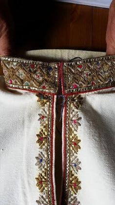 Traditional Romanian shirt detail. Men. Vrancea. Nelu Dumitrescu Folk Embroidery, Learn Embroidery, Folk Costume, Costumes, Embroidery Techniques, Office Wear, Textiles, Traditional, Boho