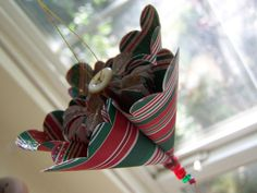 2 Handmade Christmas Origami Ornaments For Your Home