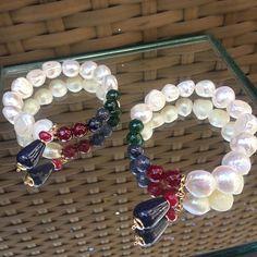 Pulseira de combinação turca chegando na loja.. Apaixonada  #Semijoias #semijoiasfinas #semijoiasdeluxo #atacadosemijoias #acessorios #acessoriosdeluxo #atacadoevarejo #amoacessorios #glamour #tendencia #fashion #love #amomuito #loveit #brincos #pulseiras #colares #pulseirismo #joias #joiasfolheadas #jewelry #tendencia Simple Jewelry, Diy Jewelry, Beaded Jewelry, Handmade Jewelry, Jewelry Making, Gemstone Bracelets, Bangle Bracelets, Bracelets With Meaning, Girls Necklaces
