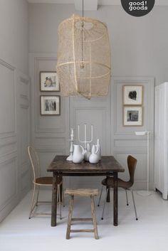 On est fan de cette salle à manger ultra design ! Tout le mobilier est une véritable oeuvre d'art ! #salleamanger #dinningroom #interiordesign