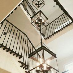 #UECo #spotted #regram @lucaseilers #customlighting #custom #triple #multiples #multiples #chisholmhall #chisholmhall_pendant #UECo_MichaelAmato #stairwell #lighting #lightingdesign #urbanelectricco #madeinusa photo cred: @lbrickaway