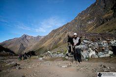 Parada para descanso numa pirka, rumo ao monte Salcantay