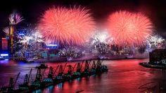 Fireworks – Hong Kong Style #voyagewave #hongkongholidays -->>www.voyagewave.com