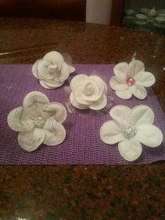 Fiorellino realizzato con dischetti di cotone leva trucco!