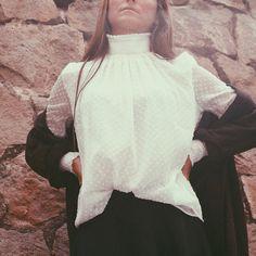 15-colgadas-de-una-percha-bebofi-must-have-fw-15-16-oi-imprescindible-blusa-estilo-victoriano-victorian-style-blouse-5